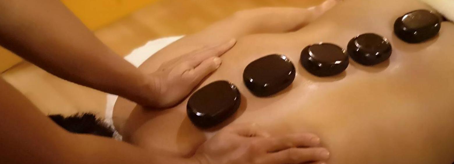 massagetherapie-hot-stone-massage